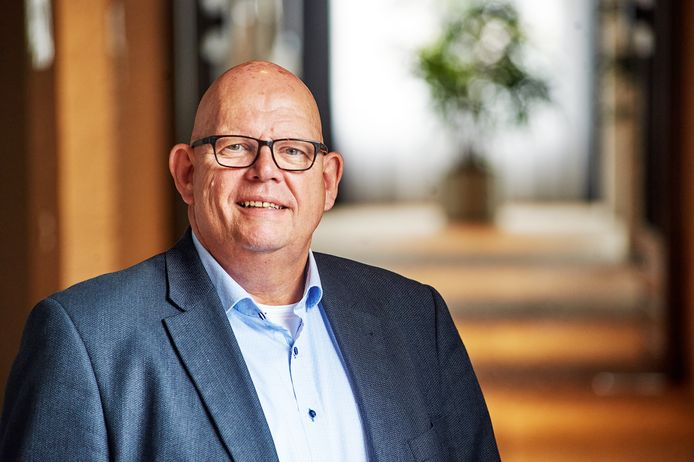 De Landerdse wethouder Ben Brands is hersteld van blaaskanker en gaat weer aan het werk.