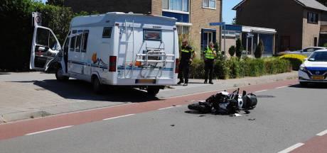 Motorrijder gewond bij ongeluk met camper in Ottersum