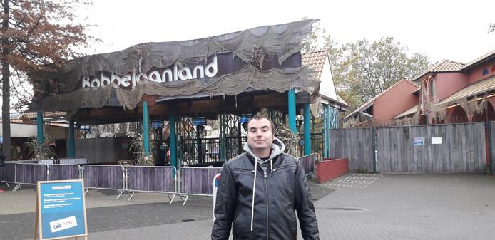 Glenn staat steeds als eerste aan de poort bij Bobbejaanland.