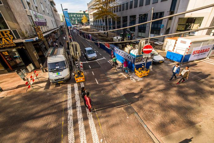 De Vestdijk wordt tot begin 2020 heringericht tot groene stadsboulevard met eenrichtingsverkeer.