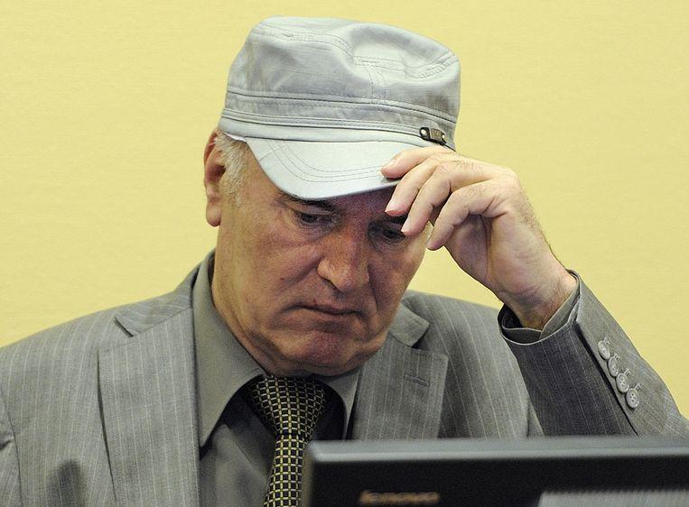De Servische oud-generaal Ratko Mladic tijdens zijn eerste voorgeleiding voor het Joegoslavie Tribunaal in Den Haag. (2011) Beeld anp