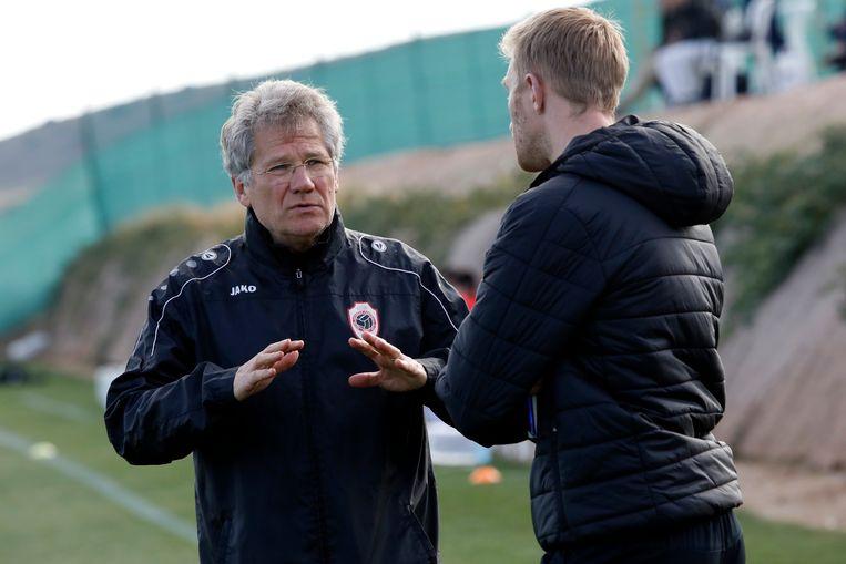 Antwerp-coach Laszlo Bölöni met assistent Wim De Decker.