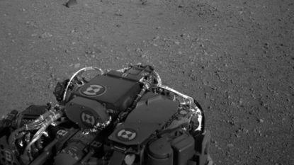 Curiosity maakt eerste bescheiden ritje op Mars