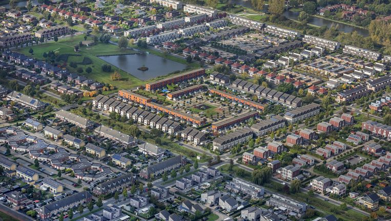 Een luchtfoto van Lelystad. Goldman Sachs is zeer te spreken over de Nederlandse woningmarkt. Beeld Raymond Rutting / de Volkskrant