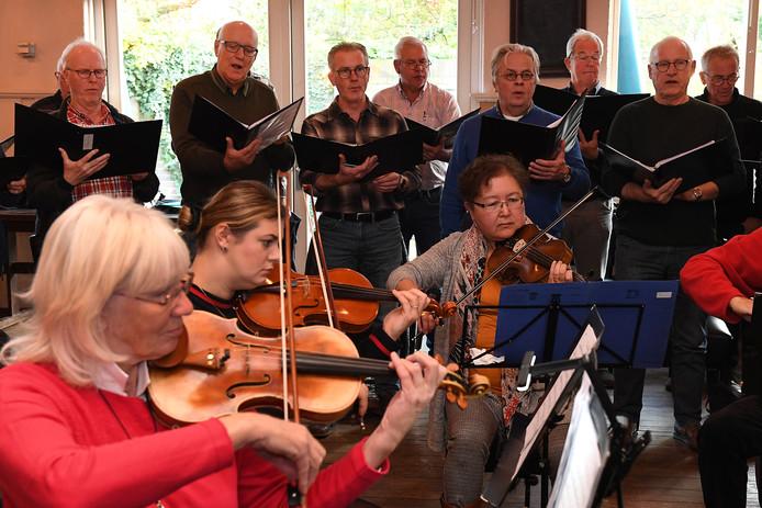 De repetities voor Choral Highlights zijn in volle gang.