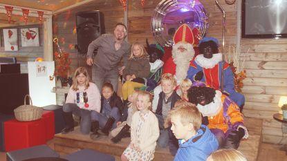 Sinterklaasshow levert 700 euro op voor goede doel