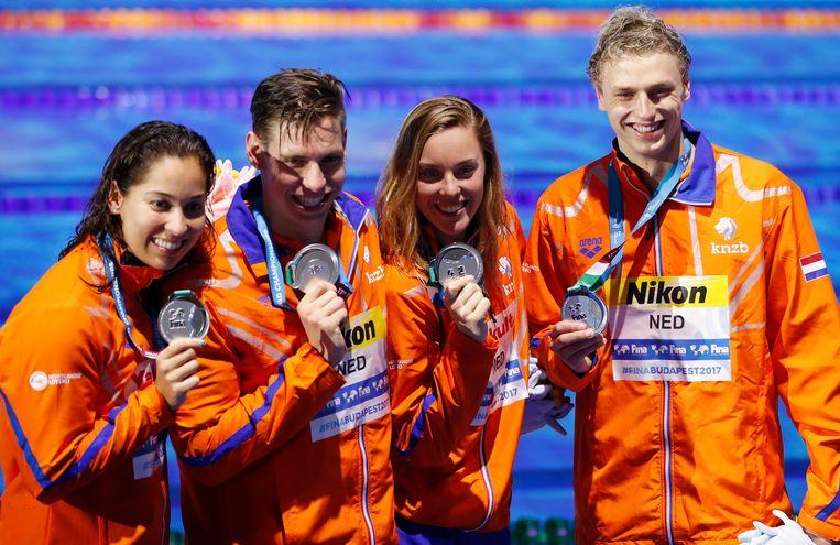 Van links naar recht: Ranomi Kromowidjojo, Kyle Stolk, Femke Heemskerk en Ben Schwietert. Beeld AP