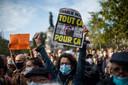 Duizenden Fransen verzamelden zondag op de  Place de la Republique in Parijs  om hun afschuw te uiten over de moord.