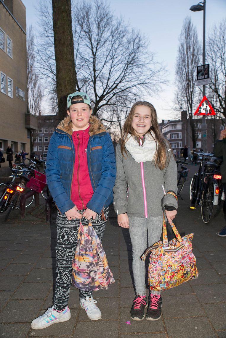 Roos Bleeker (rechts) Beeld Charlotte Odijk
