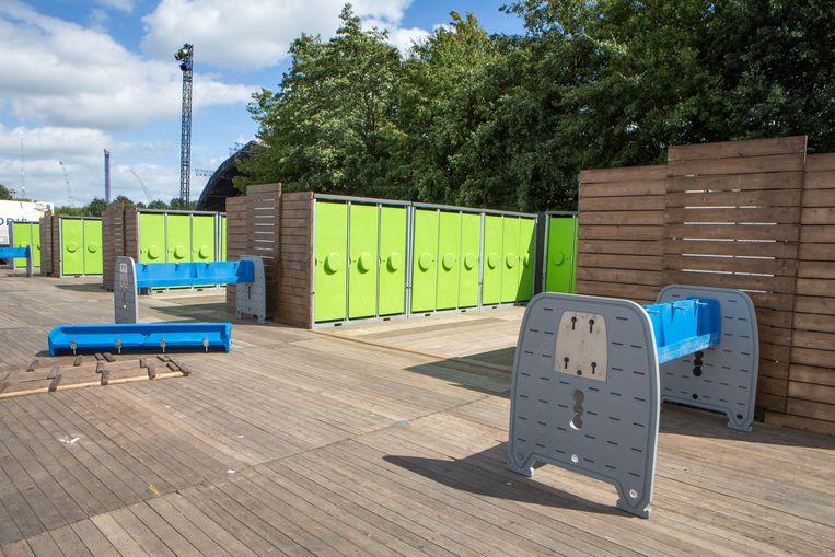 Het oppervlaktewater van omringende sloten wordt gebruikt om de vacuümtoiletten te spoelen waarvan er 500 op het festivalterrein staan, grofweg de helft van het totaal aantal toiletten.