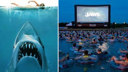 Zou jij het durven? Hier kan je 'Jaws' bekijken terwijl je in open water dobbert