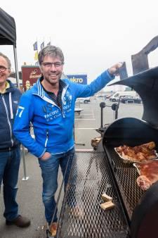 Erik en Erik uit Enter barbecueën tegen de wereldkampioen