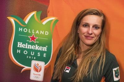 voormalig-volleybalster-wesselink-houdt-holland-heineken-house-draaiende