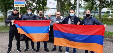 Armeense demonstranten blokkeerden snelweg bij Hazeldonk: 'Europa grijp in, stop de oorlog'