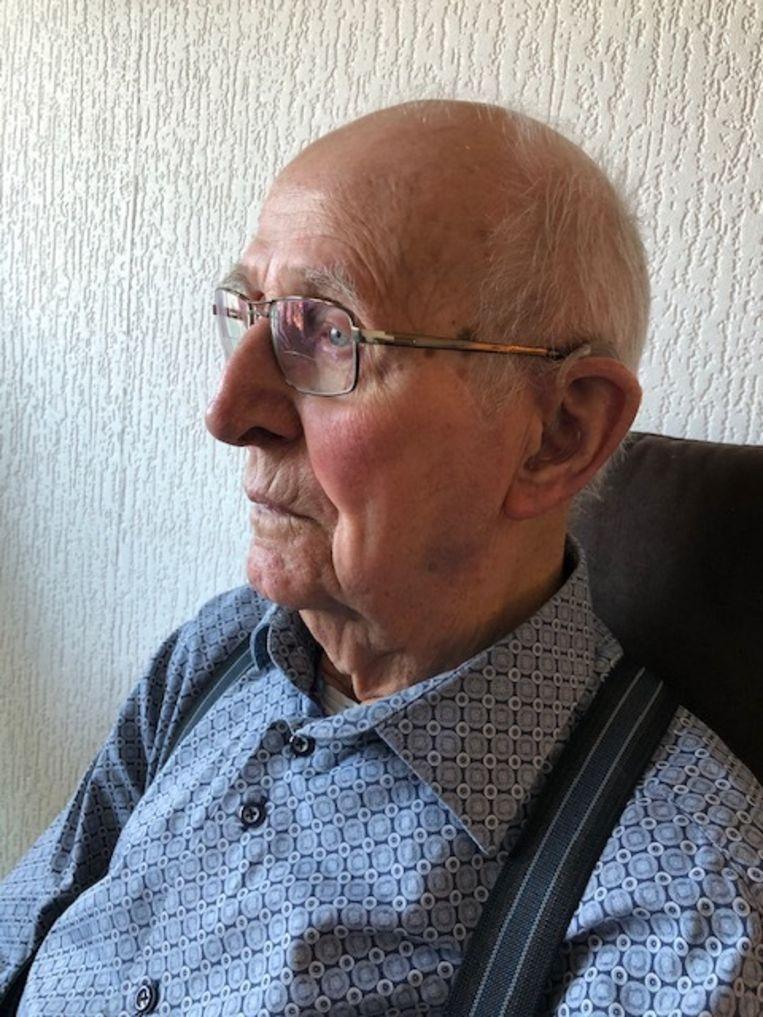 Warner Pap, nu 92 jaar oud, maakte als 17-jarige de bevrijding van Kampen mee. Beeld