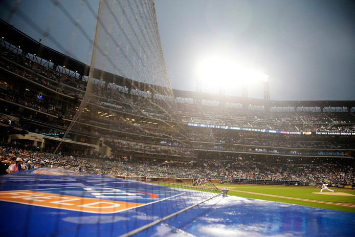 Een beschermend net, zoals hier bij de New York Mets.