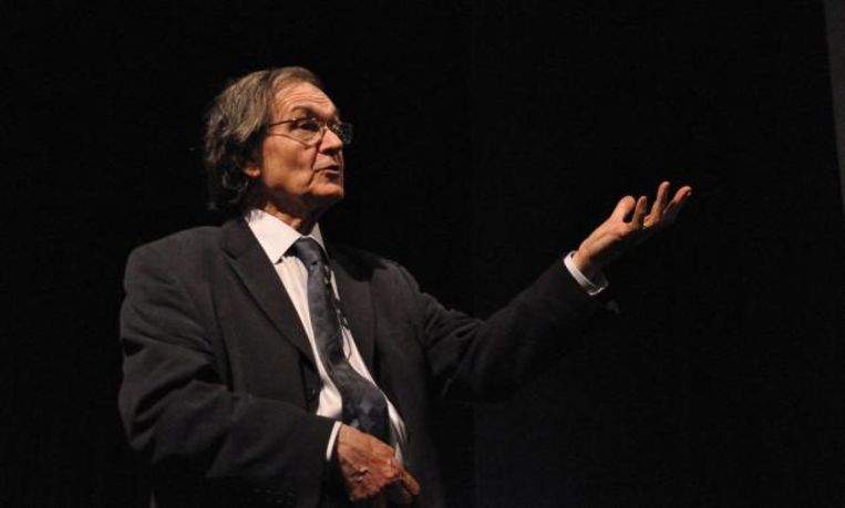 Wis- en natuurkundige Roger Penrose.