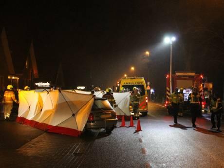 Meisje (17) overleden bij ongeluk voor supermarkt in Kootwijkerbroek