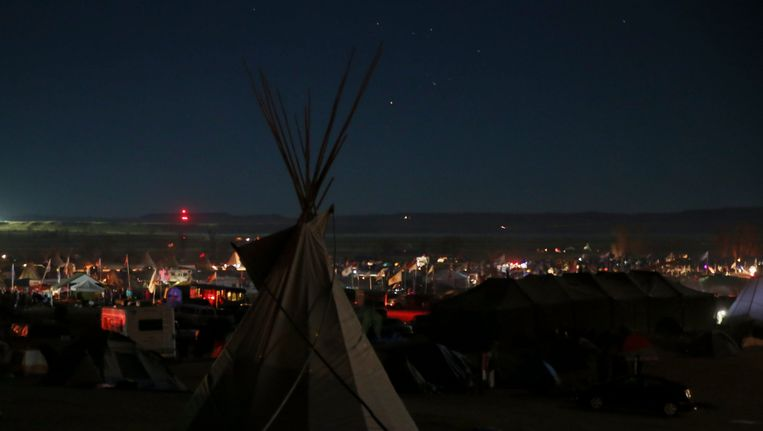 In North Dakota is een kamp ontstaan van meer dan zesduizend inwoners die protesteren tegen de pijpleiding. Beeld Photo News