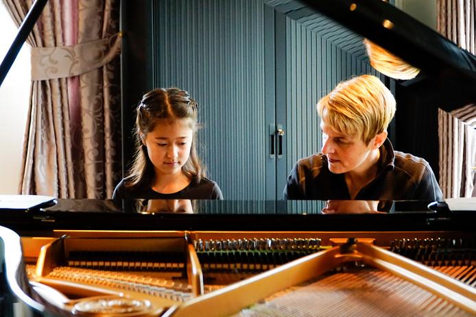 Wilma van der Draaij gaat zich ook meer richten op lesgeven aan leerlingen met autisme. Wilma's Muziekschool in Rijen wordt Muziekschool Plus.