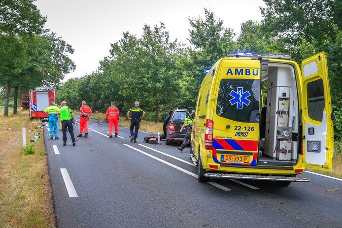 Bij een ongeval worden hulpdiensten te laat gealarmeerd, doordat autofabrikanten weigeren eCall standaard in hun auto's in te voeren.