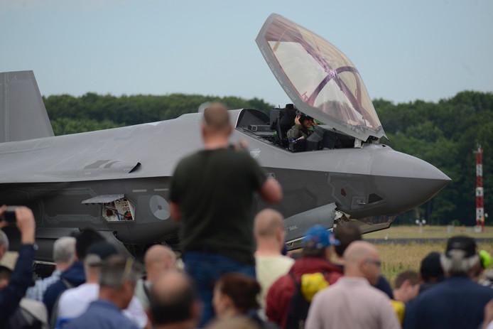 Volop belangstelling voor de F-35.
