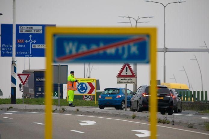 De N261 ter hoogte van Waalwijk.