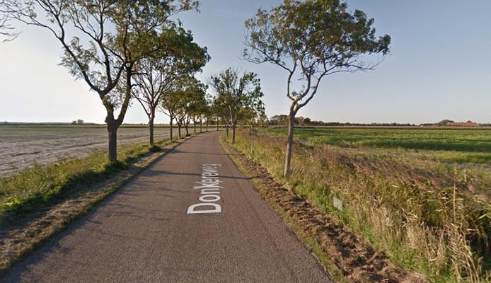 De Donkereweg in Noordgouwe.
