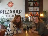 Nutella, rendang, maar ook kimchi en gamba's op de pizza: reizigersbar Rijslust klaar voor opening