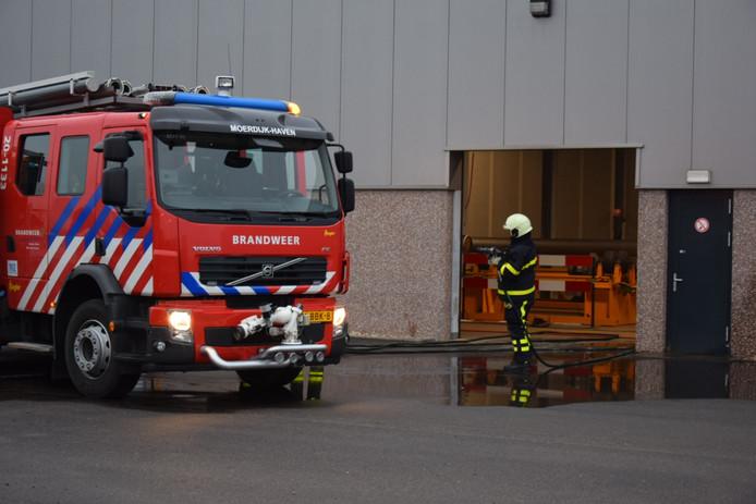 Brand bij bedrijf op industrieterrein Moerdijk.