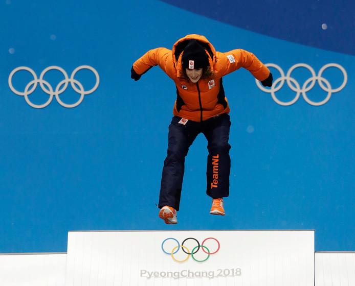 Ireeen Wüst springt op weg naar wéér een gouden olympische medaille.