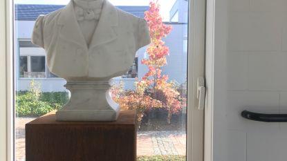 WZC Vander Stokken krijgt borstbeeld