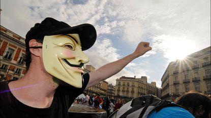 """Anonymous legt website Spaans Grondwettelijk Hof plat"""