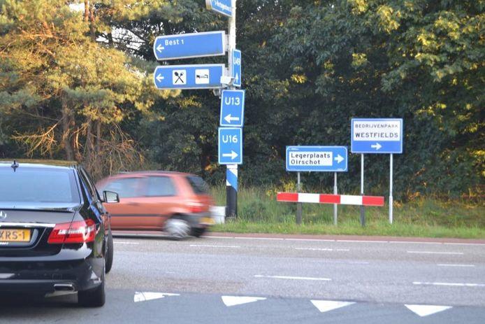 Aan de Erica, de verbinding met de A58, verwijzen borden naar het verderop gelegen Oirschotse Bedrijvenpark Westfields.