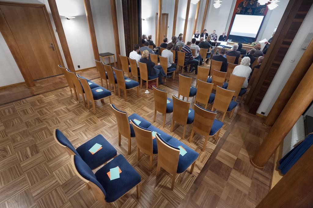 Design Stoelen Enschede.Met Opinie 053 Zoeken Naar Onderbuik Enschede Foto Tubantia Nl