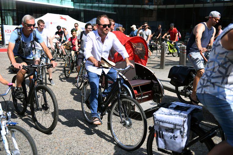 Schepen David Dessers (Groen) nam uiteraard graag deel aan de fietstocht op de verkeersvrije ring.
