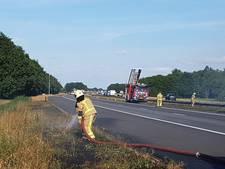A28 deels afgesloten door bermbranden