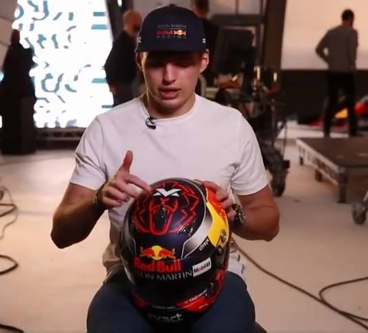 De nieuwe helm van Verstappen.