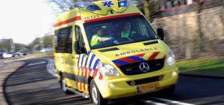 Fietser gewond na aanrijding in Den Haag, automobilist rijdt door