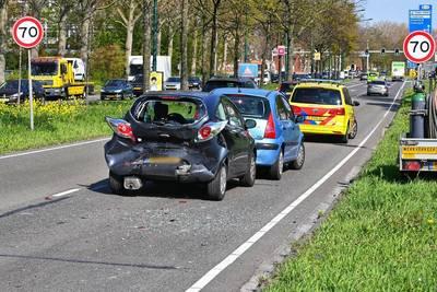 Drie auto's betrokken bij ongeluk op Nieuwe Kadijk in Breda