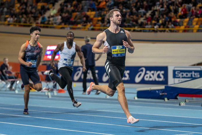 Joris van Gool in actie op de 60 meter sprint tijdens het Nederlands kampioenschap Indoor Atletiek.