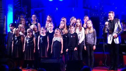 Vlezenbeeks kinderkoor treedt op met Willy Sommers