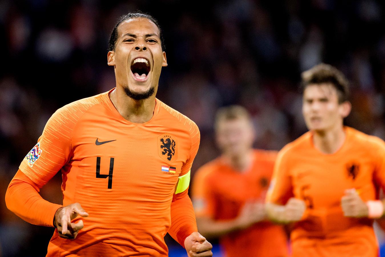 Ontlading bij Virgil van Dijk na zijn openingstreffer tegen Duitsland, een jaar geleden.