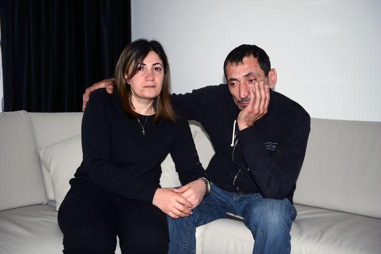 Mama Ofelya Petrosyan en papa Romik Sukyasyan.