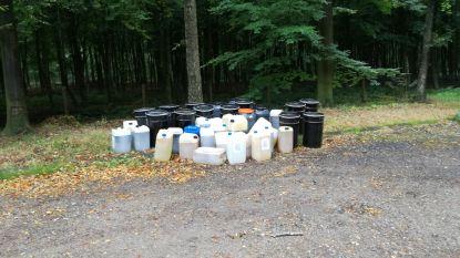 37 vaten met onbekend goedje gedumpt aan Bulskampveld: afval van drugslab?