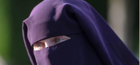 Vrouw met nikab die lijnbus werd uitgezet mocht gisteren weer mee