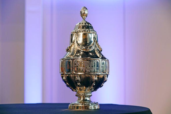 2017-04-28 13:17:39 ZEIST - De Beker tijdens de persconferentie in aanloop naar de KNVB Bekerfinale. ANP BAS CZERWINSKI
