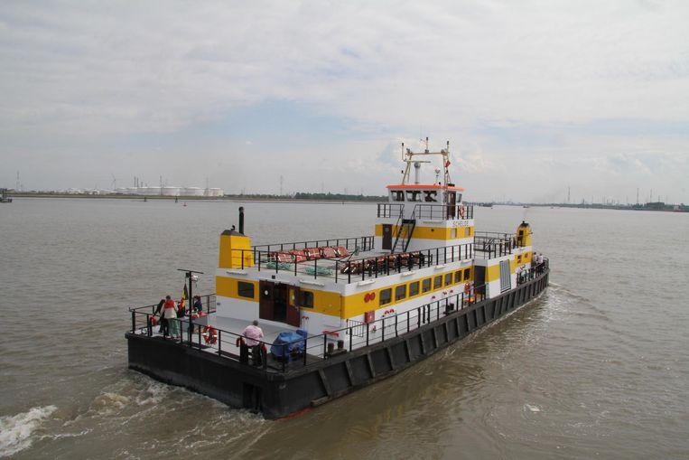 De veerboot tussen Doel en Lillo.