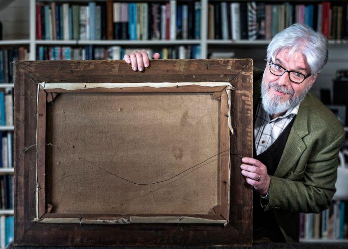 """Professor kunsthistorie Chris Stolwijk: ,,Een achterkant vertelt veel over de biografie van een werk."""""""