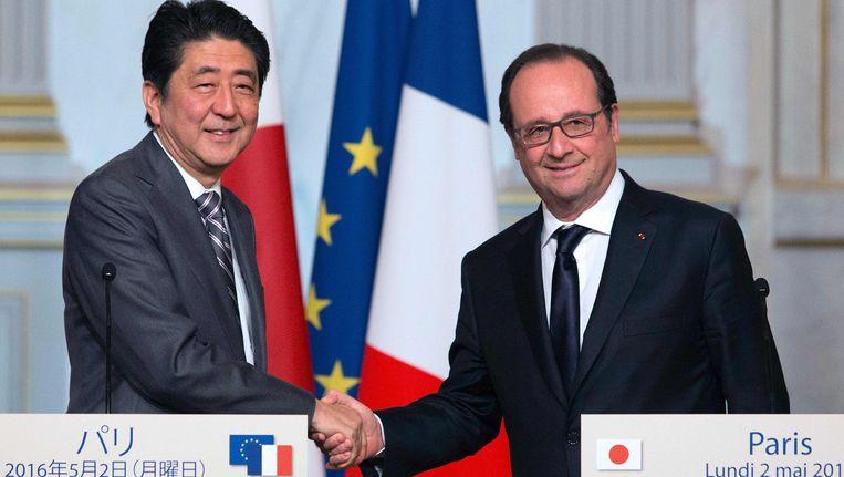 De Japanse Eerste Minister Shinzo Abe en de Franse president Francois Hollande.